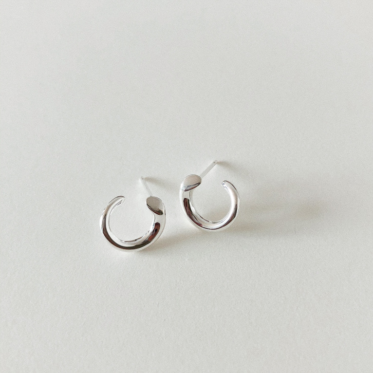 925silver C line earring(2color)