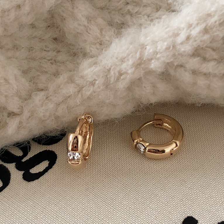 [자체제작] cubic one-touch ring earring